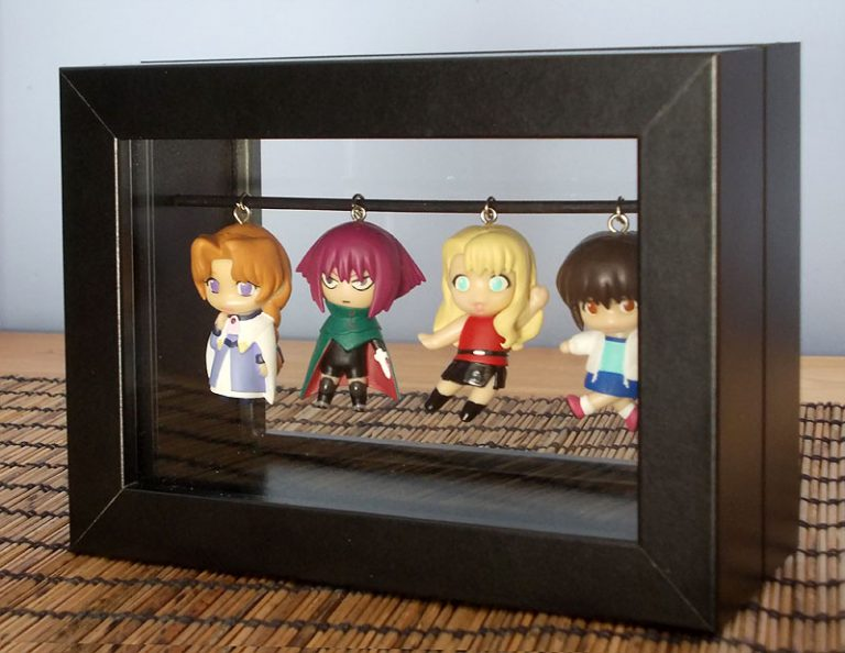 IKEA hack: RIBBA keychain display box