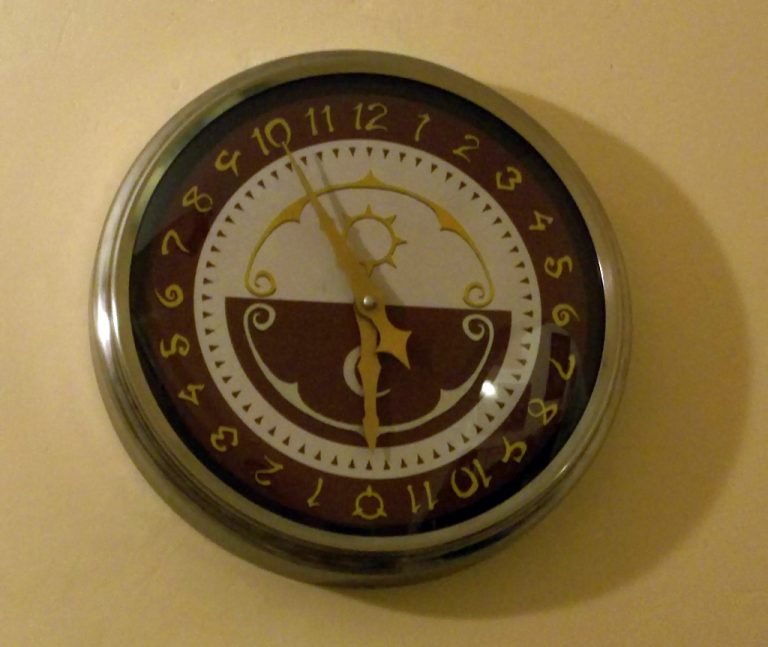 Luna Nova clocks